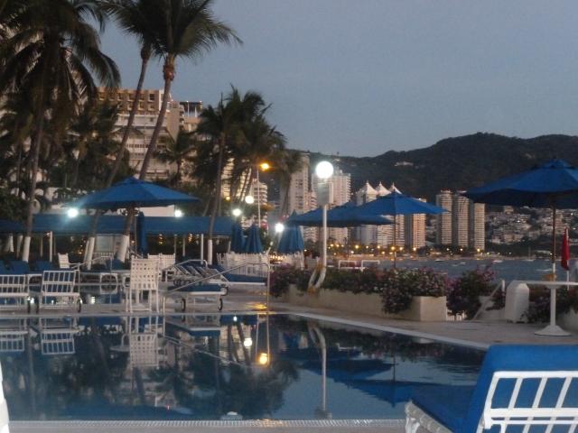 poolside Velera y Galeon condos, Acapulco
