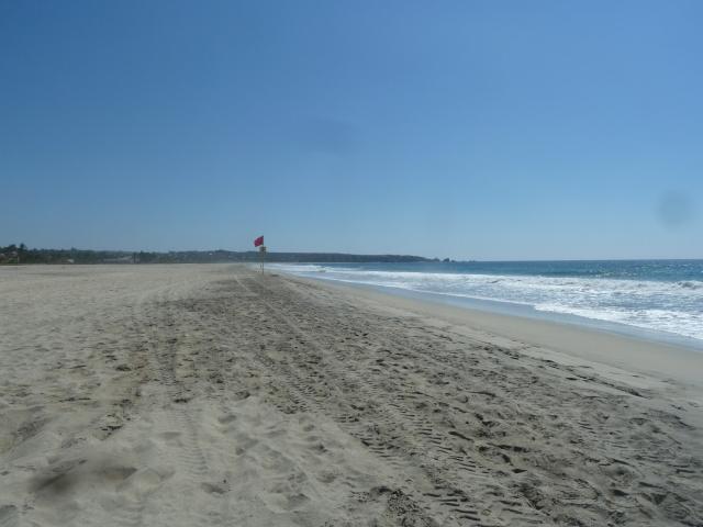 Zicatela Beach - such a crowded beach!!!!