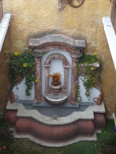 fountain at Hotel Tradiciones Antigua