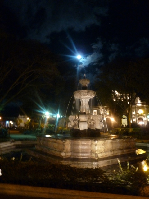 Full moon over Parque Central fountain