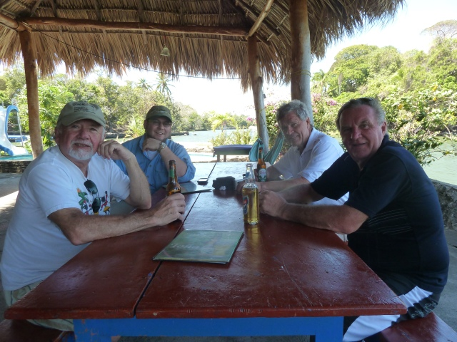 A group of men from Wisconsin who came to Nicaragua to go duck hunting