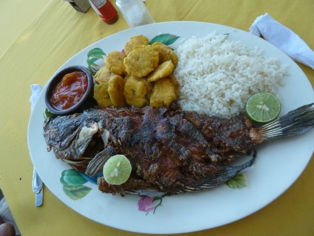 Our captain took us to an island restaurant where we had pescado for lunch
