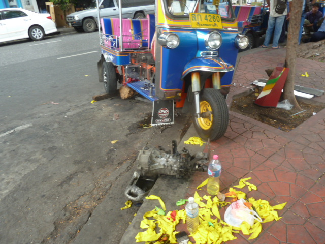 Broken tuk-tuk, Bangkok