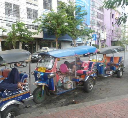 napping tuk-tuk drivers, bangkok